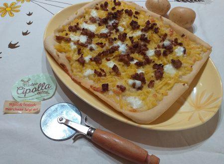 Pizza con patate schiacciate e salsiccia!!!