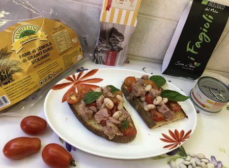 Bruschette con pomodori, tonno e fagioli!!!